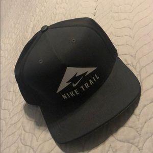 NIKE Trail Hat